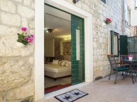 Authentic_Luxury_Superior_Double_or_Twin_Room_10_(Split,_Croatia)